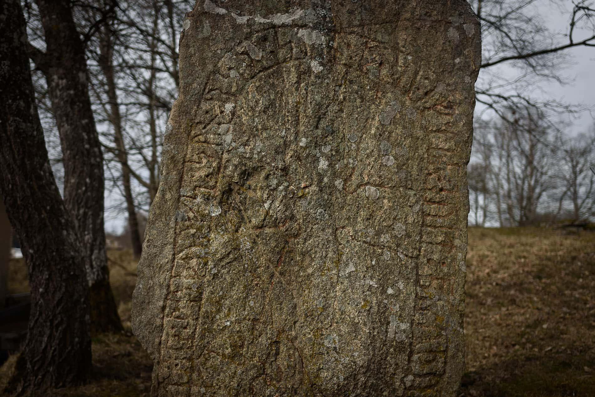 Runsten VG 179 i Trädet