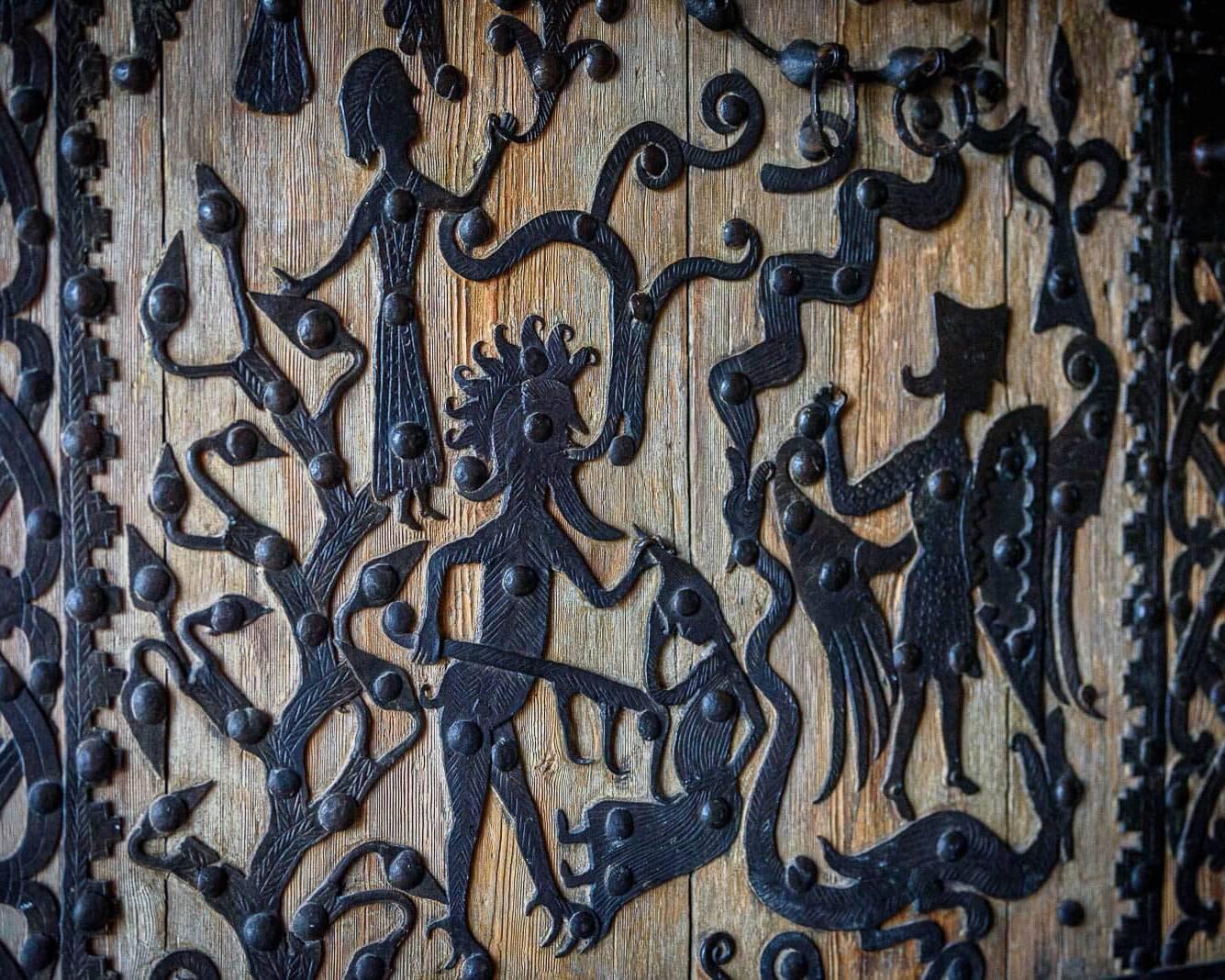 Rogslösadörren i Rogslösa Kyrka